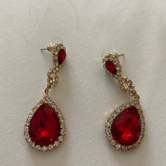 Jewelry - Gold with red rhinestone earrings